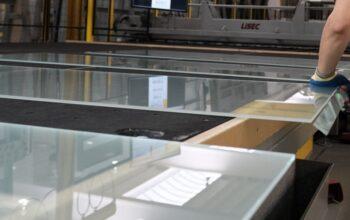 Operator glasproductie / glassnijlijn